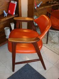 pair of paoli chairs dunepad