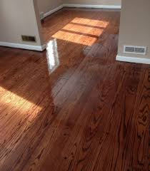 Coating For Laminate Flooring Applying Final Coat Of Polyurethane To Random Width Red Oak Pegged