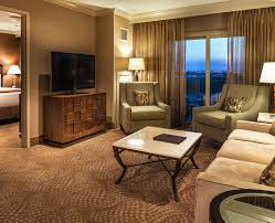 hotel rooms u0026 suites at isle of capri casino hotel lake charles