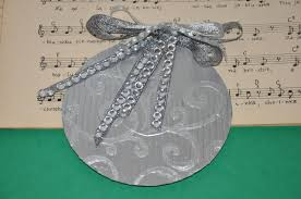 ornaments on cd recycled diy