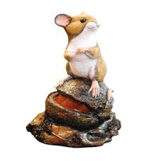 mouse on conker by peakdalesculptures handpainted with bronze