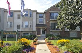 2 Bedroom Apartments In Rockford Il Beacon Hill Apartments In Rockford Il Edward Rose U0026 Sons