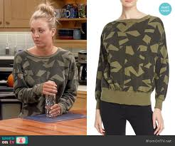 wornontv penny u0027s green star print sweatshirt on the big bang