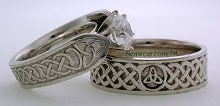 celtic wedding ring sets 155 best erics images on men wedding bands jewelry