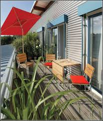 kunstrasen auf balkon hausdekorationen und modernen möbeln ehrfürchtiges kunstrasen