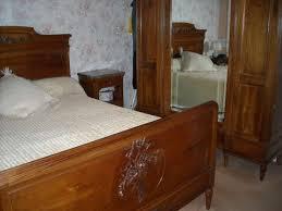 chambre à coucher ancienne chambre ancienne en noyer massif à périgueux meubles
