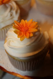 autumn wedding cake and cupcakes kelly u0027s sweet creations