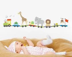 wandtattoos für kinderzimmer wandtattoo zug mit tieren wandtattoos kinderzimmer