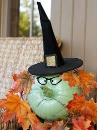 halloween diy 10 diy spider crafts for halloween hgtv s decorating design