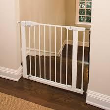 amazon com munchkin easy close metal baby gate white indoor