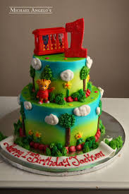 Halloween First Birthday Cakes by Best 25 Daniel Tiger Cake Ideas Only On Pinterest Daniel Tiger