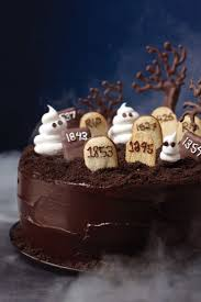 halloween cakes pinterest best 25 graveyard cake ideas on pinterest chocolate birthday