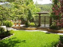 decoration petit jardin decor de jardin incroyable decoration idee de deco jardin petit