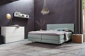 Schlafzimmer Einrichten Boxspringbett Uncategorized Schlafzimmer Modern Wei Braun Rheumri Mit