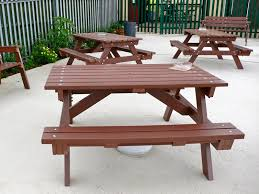 round plastic picnic table reasons to choose plastic picnic tables thedigitalhandshake furniture