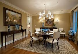 Traditional Dining Room Furnished With Console Tables And Round - Traditional dining room chandeliers