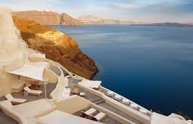 top 10 cliff edge santorini hotels design buffs will love luxury