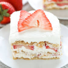 no bake strawberry cheesecake icebox cake