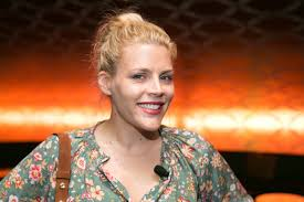 cougar makeup for halloween busy philipps is starring in tina fey u0027s new show about sisters
