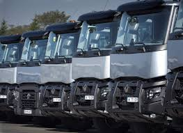 renault truck 2016 iaa 2016 robustheit und nervenkitzel am stand von renault trucks