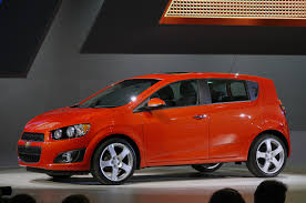 2012 chevrolet sonic hatchback detroit 2011 photo gallery autoblog