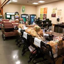 wegmans thanksgiving menu charlottesville wegmans fed over 1000 first responders after white