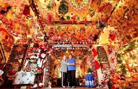 11 of the craziest christmas decorated homes that are definitely