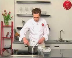 pocher en cuisine comment pocher des portions de poisson technique de cuisine