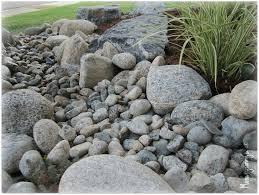 river rock garden bed best 25 river rock gardens ideas on