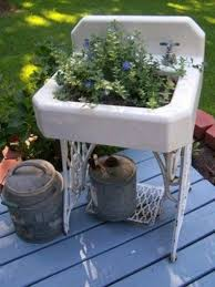 Bathtub Planter How To Repurpose Bathtub And Sinks In Outstanding Ways Fyf