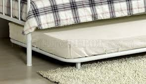White Metal Daybed With Trundle Hamden Metal Daybed In White W Trundle