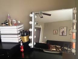 Mirrors With Lights Large Mirror With Light Bulbs Descargas Mundiales Com