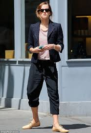 emma watson leaked pics with slight cameltoe 2 www emma watson opts for cropped trousers as she dresses for comfort