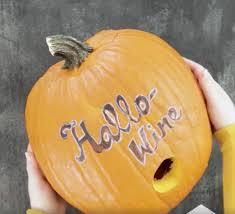 discount halloween party favors diy hallo wine is the perfect party favor for your halloween