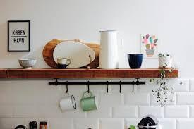 holzregal küche metrofliesen holzregal küche couchstyle