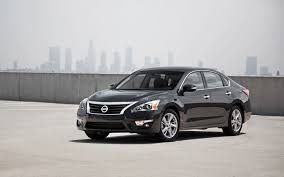 nissan altima yearly sales toyota camry again claims midsize sedan throne in 2012