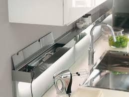 rangement pour ustensiles cuisine dans la cuisine à chaque objet rangement