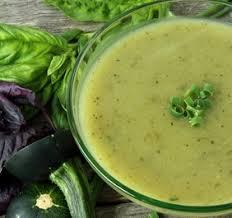 cuisiner le choux romanesco recette de soupe aux courgettes et chou romanesco recettes diététiques
