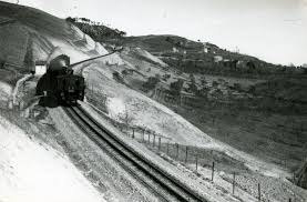 treno cremagliera ferrovia a cremagliera wikiwand