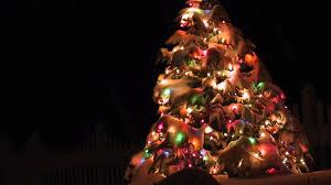 download wallpaper 3840x2160 christmas tree garland snow street