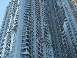 the newcomer on spruce street frank gehry s contribution to the walking off the big apple