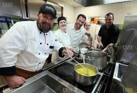 stage de cuisine edition de besançon besançon huit jeunes québécois en stage de
