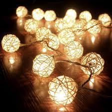 guirlande lumineuse pour chambre cmyk guirlande boule rotin blanc 20 boules guirlande lumineuse