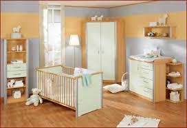chambre b b peinture idée peinture chambre bébé idee fille couleur pour mixte garcon