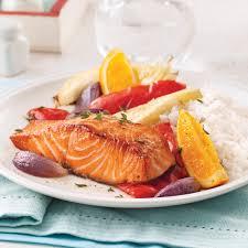 cuisine saumon saumon à l orange et légumes au four recettes cuisine et