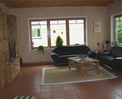 gemã tliche wohnzimmer wohnzimmer farbgestaltung braun kazanlegend info