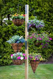 17 fascinating examples how to arrange hanging flowers for your