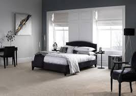 schlafzimmer teppichboden schlafzimmer grau stilvoll teppichboden schminktisch raffrollos