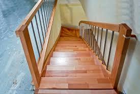 buche treppe treppen stufen holztreppen restauration schreinerei holz und