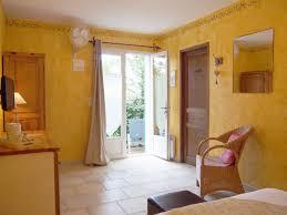 chambre hote provence tournesol chambres d hôtes luberon le clos des lavandes